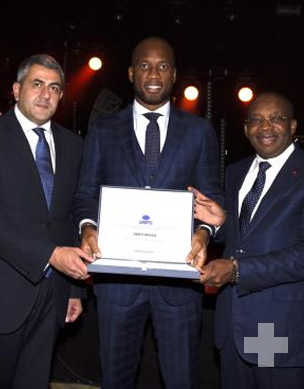 "World Tourism Organization Shows Support For ""Sublime Côte d'Ivoire"" As Didier Drogba Signs Up As Ambassador For Responsible Tourism"